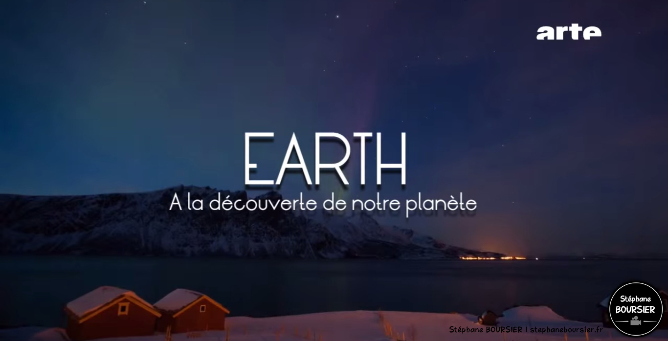 Photo - Générique pour l'émission fictive - Earth